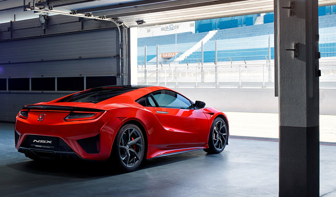 La NSX qui sort du garage